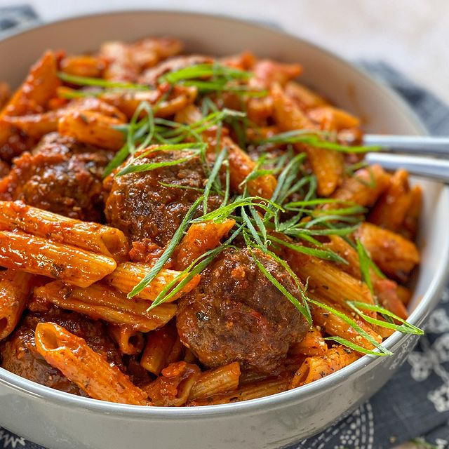 Meatballs with tomato penne