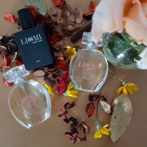 Giveaway: Enter To Win With Liomi Perfume and KDanielles Media