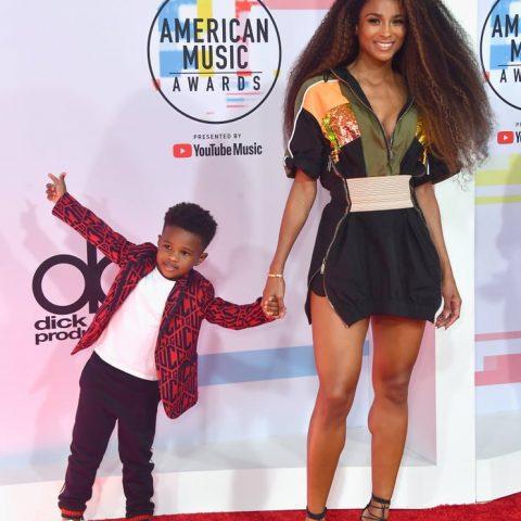 Style Alert: 2018 American Music Awards Red Carpet Looks